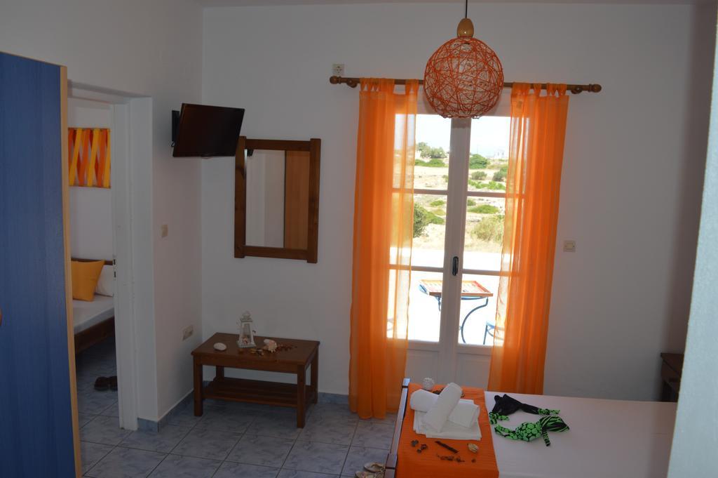 Triple room Isalos Hotel Paros