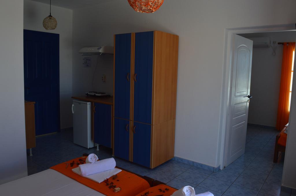 Four bed apartment Isalos Hotel Paros