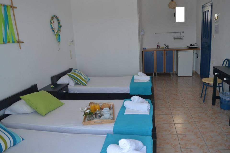 Triple room Isalos Hotel